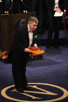 STOCKHOLM, SWEDEN - DECEMBER 10:  Paul Krugman bows as he receives his Nobel Prize in Economics during the Nobel Foundation Prize 2008 Awards Ceremony at the Concert Hall on December 10, 2008 in Stockholm, Sweden.  (Photo by Pascal Le Segretain/Getty Images)